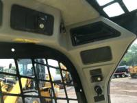 CATERPILLAR KOMPAKTLADER 236D equipment  photo 21
