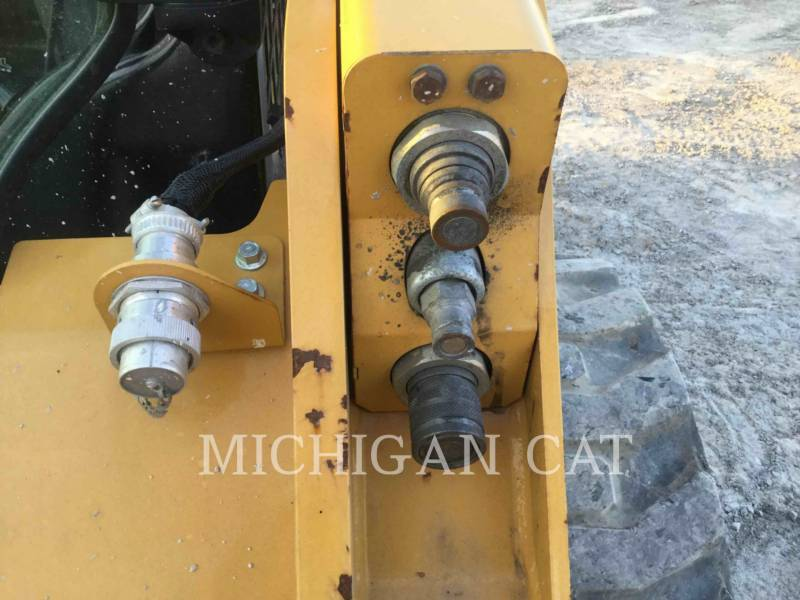 CATERPILLAR MINICARGADORAS 242D C equipment  photo 9