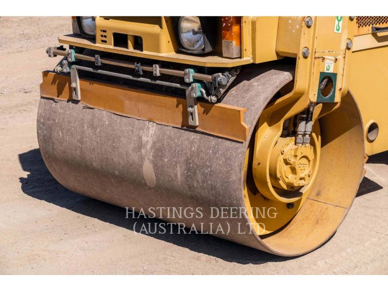 CATERPILLAR VIBRATORY SINGLE DRUM SMOOTH CB24 equipment  photo 10