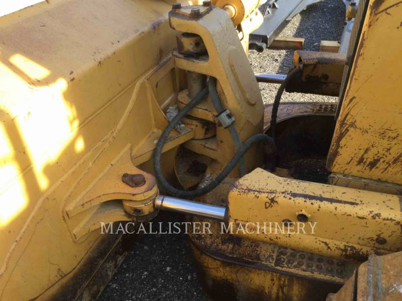 CATERPILLAR TRACK TYPE TRACTORS D6MXL equipment  photo 9