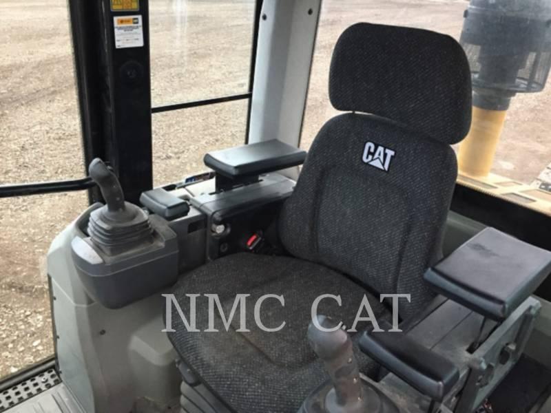 CATERPILLAR 履帯式ローダ 963D equipment  photo 2