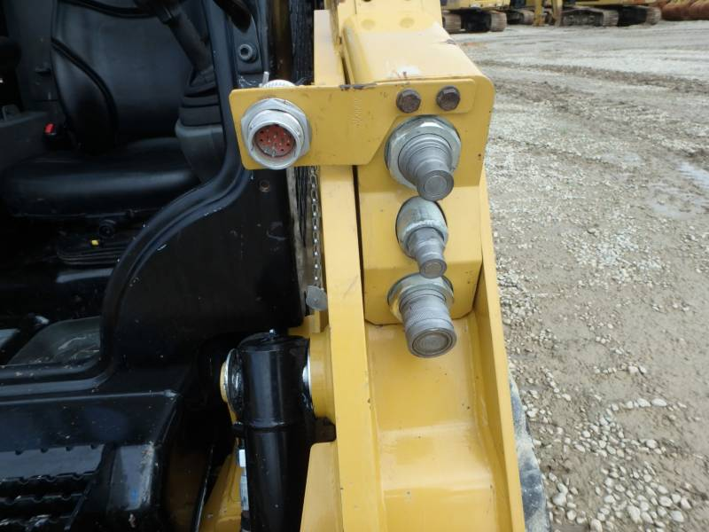 CATERPILLAR SKID STEER LOADERS 232D equipment  photo 22