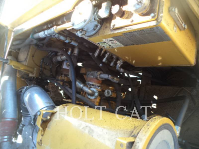 CATERPILLAR WT - COLD PLANER PM201 equipment  photo 7