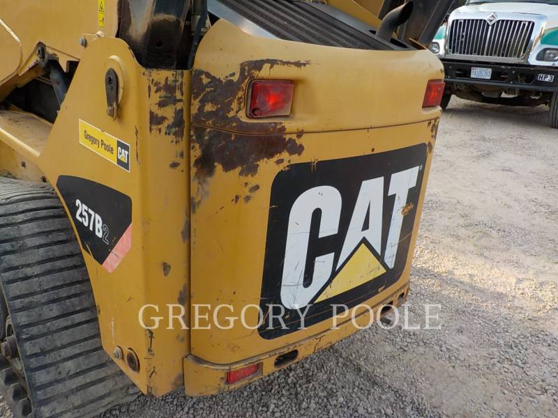 CATERPILLAR CARGADORES MULTITERRENO 257B equipment  photo 13