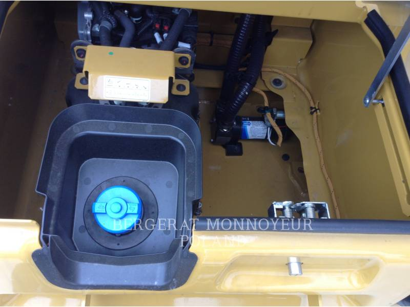 CATERPILLAR TRACK EXCAVATORS 336F equipment  photo 14