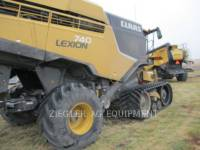 Equipment photo LEXION COMBINE 740TT 联合收割机 1