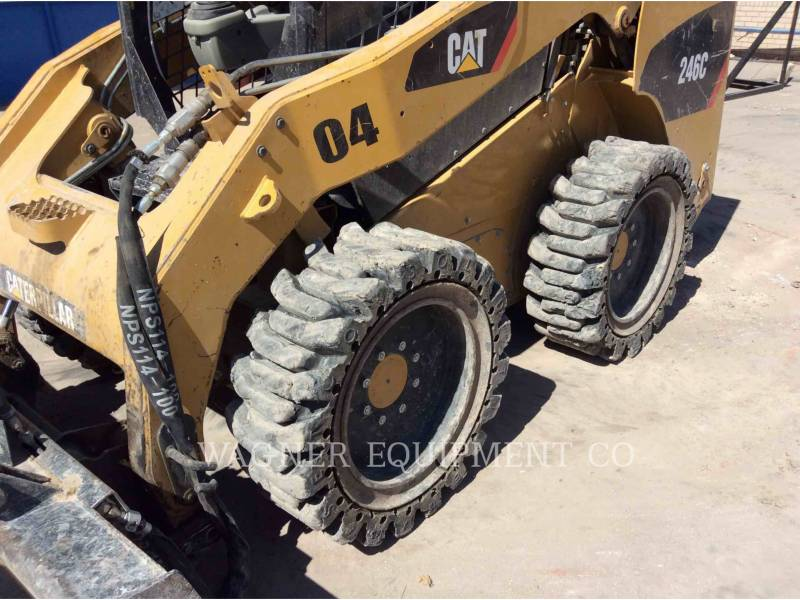 CATERPILLAR MINICARGADORAS 246C equipment  photo 12