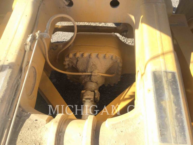 CATERPILLAR CAMIONES ARTICULADOS 740 T equipment  photo 13