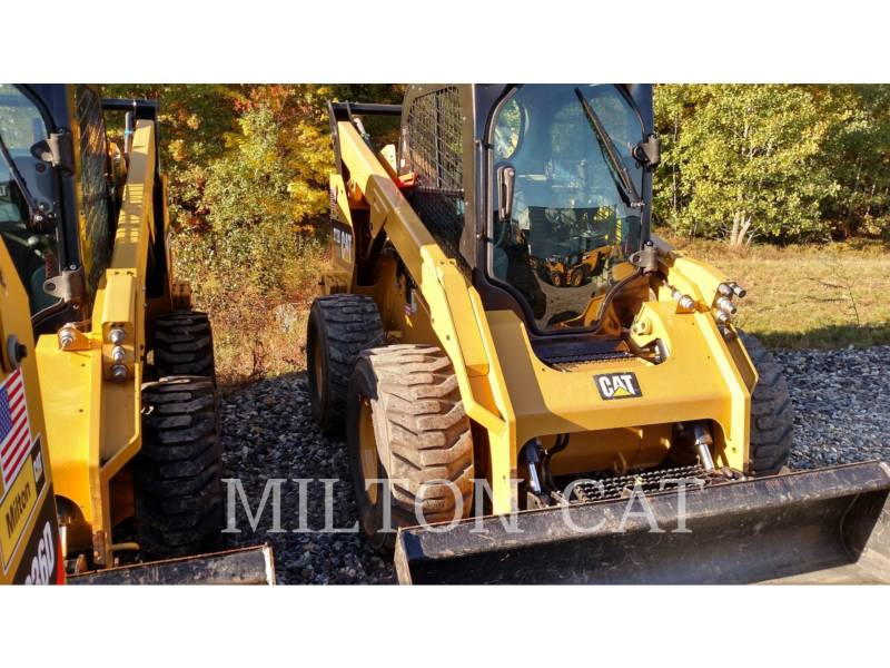 CATERPILLAR SKID STEER LOADERS 272D XHP equipment  photo 2