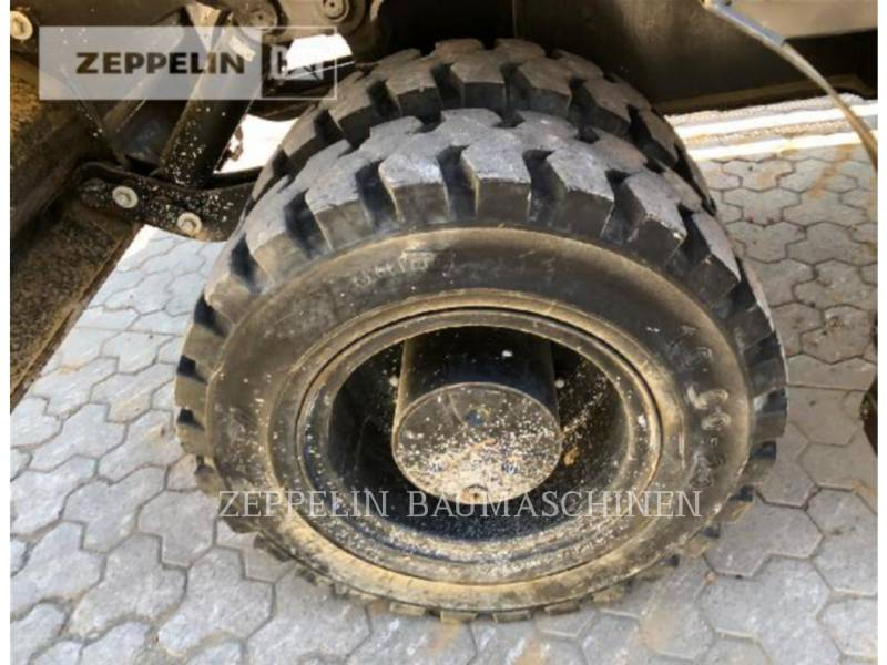 CATERPILLAR ESCAVATORI GOMMATI M320F equipment  photo 12