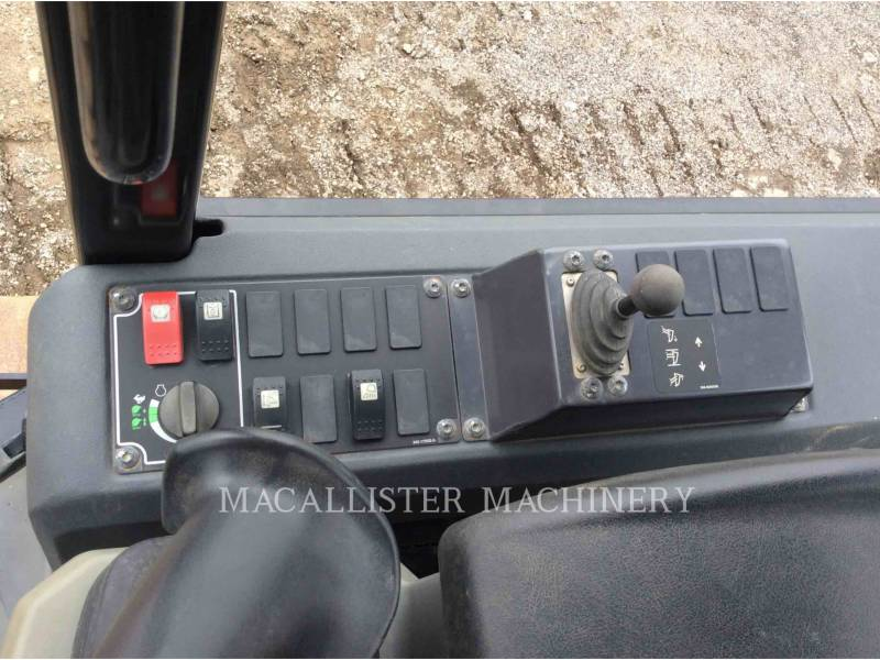 CATERPILLAR TRACTEURS SUR CHAINES D4K2XL equipment  photo 16