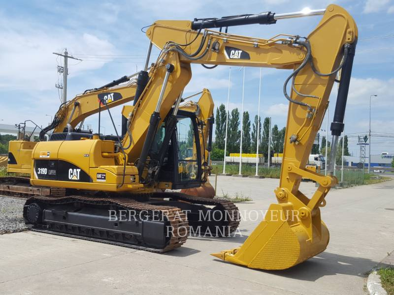 CATERPILLAR PELLES SUR CHAINES 319 D LN equipment  photo 2