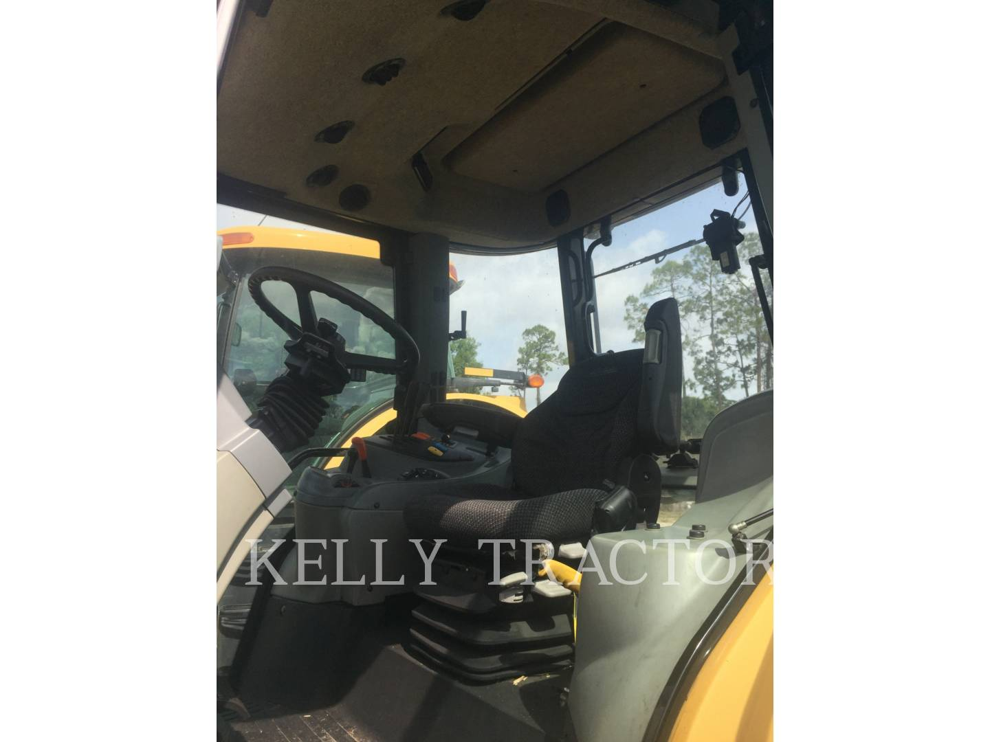 Detail photo of 2010 Challenger MT465B from Construction Equipment Guide