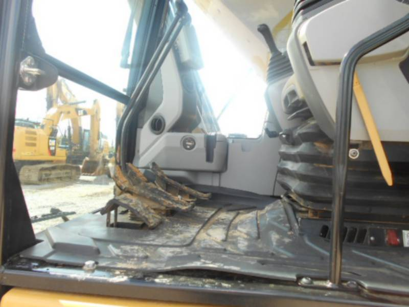 CATERPILLAR TRACK EXCAVATORS 329EL equipment  photo 21