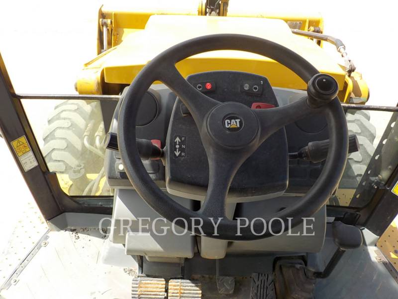 CATERPILLAR CHARGEUSES-PELLETEUSES 420FST equipment  photo 22