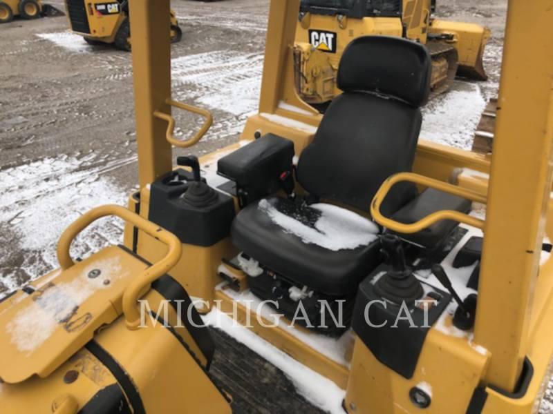 CATERPILLAR KETTENDOZER D4GL equipment  photo 5