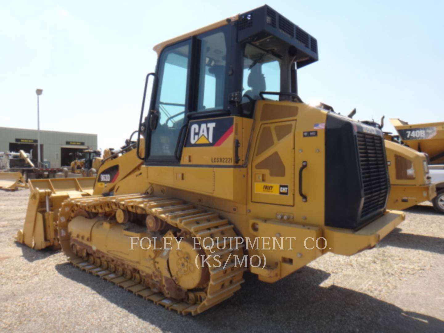 Detail photo of 2014 Caterpillar 963D from Construction Equipment Guide