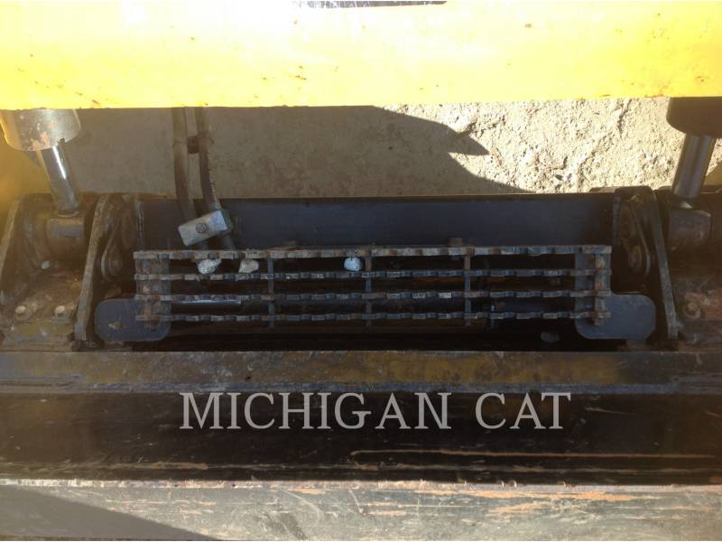 CATERPILLAR MINICARGADORAS 246D C2Q equipment  photo 16