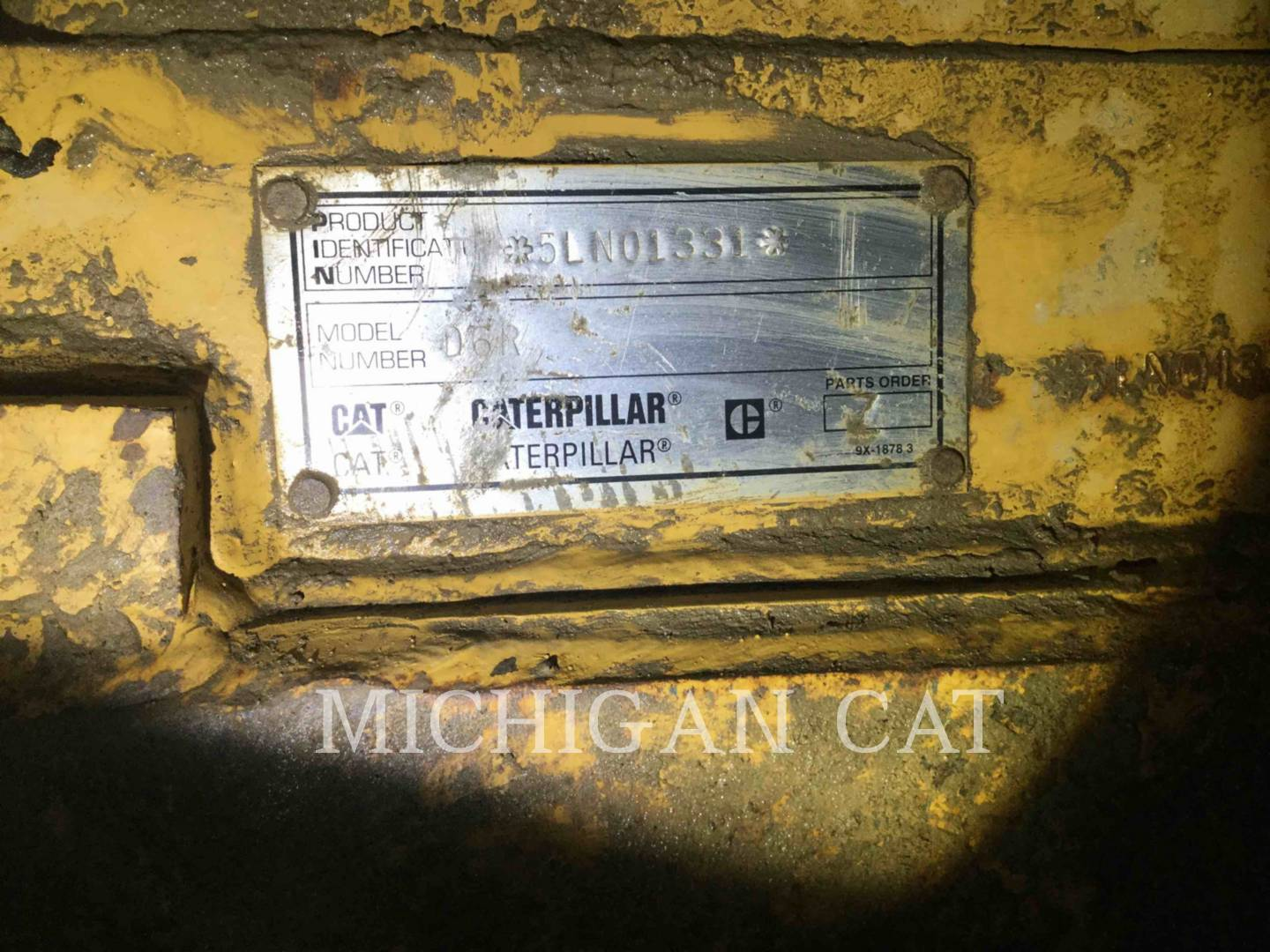 Detail photo of 1998 Caterpillar D6R from Construction Equipment Guide