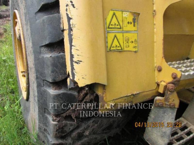 CATERPILLAR CAMIONES ARTICULADOS 740 equipment  photo 6