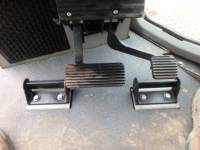 CATERPILLAR TRACK TYPE TRACTORS D6TXL equipment  photo 14