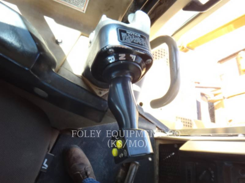 CATERPILLAR TRATORES DE ESTEIRAS D6RXR equipment  photo 13