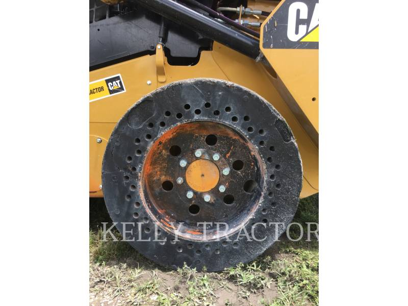 CATERPILLAR MINICARGADORAS 242D equipment  photo 12