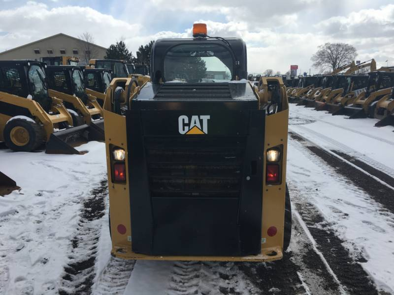CATERPILLAR PALE COMPATTE SKID STEER 236D equipment  photo 13