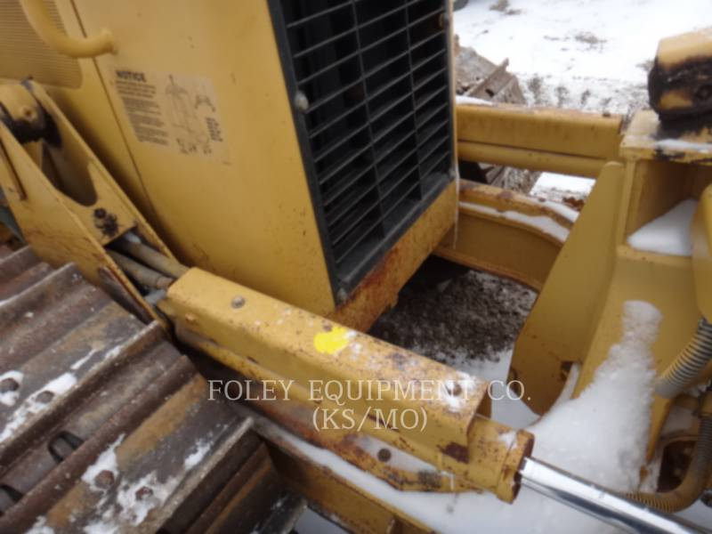 CATERPILLAR KETTENDOZER D5G equipment  photo 10