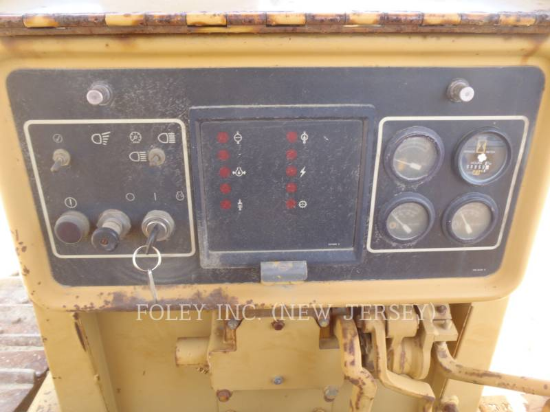 CATERPILLAR KETTENDOZER D5HIIXL equipment  photo 16