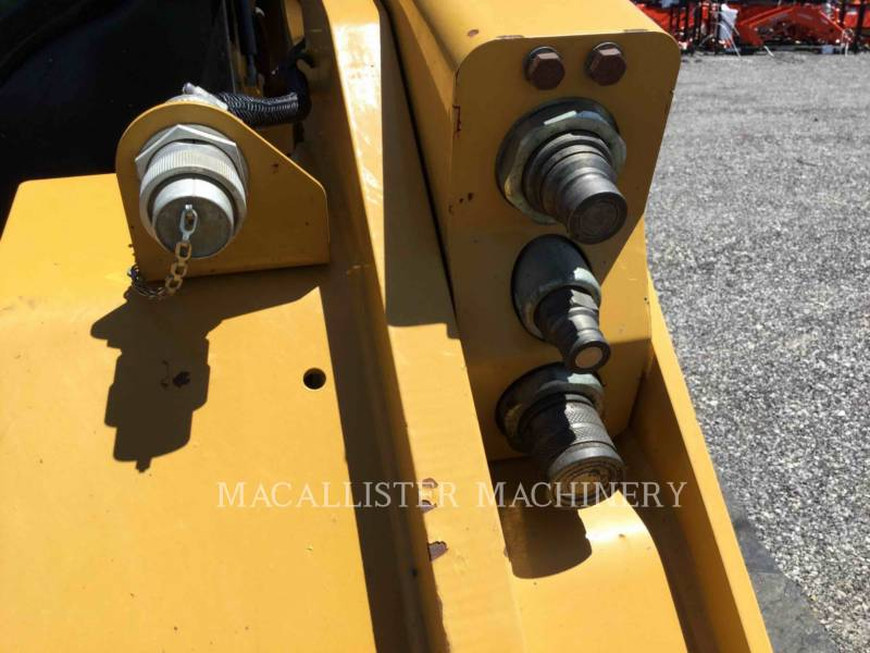 CATERPILLAR DELTALADER 299D equipment  photo 9