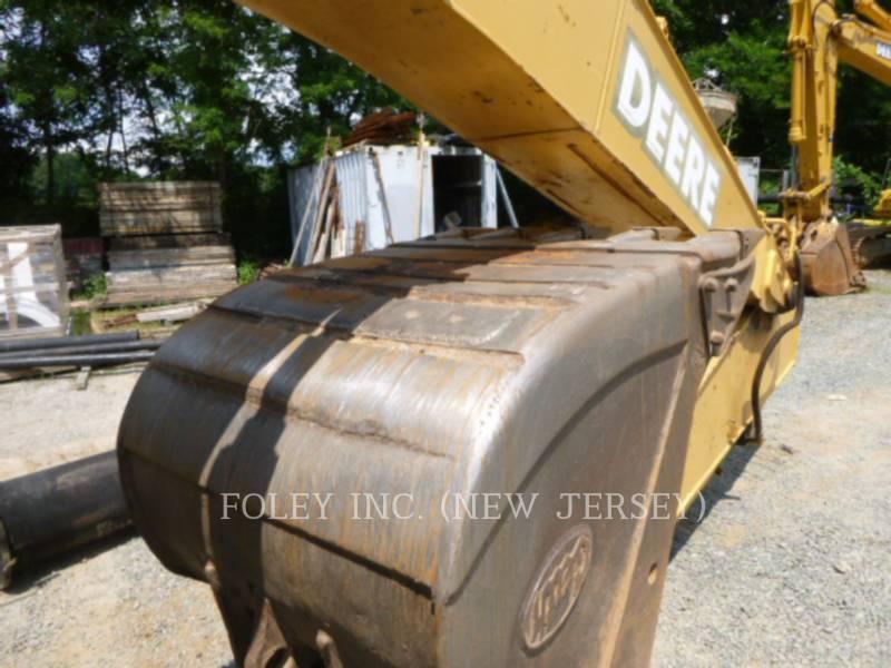 DEERE & CO. TRACK EXCAVATORS 225CLC equipment  photo 13
