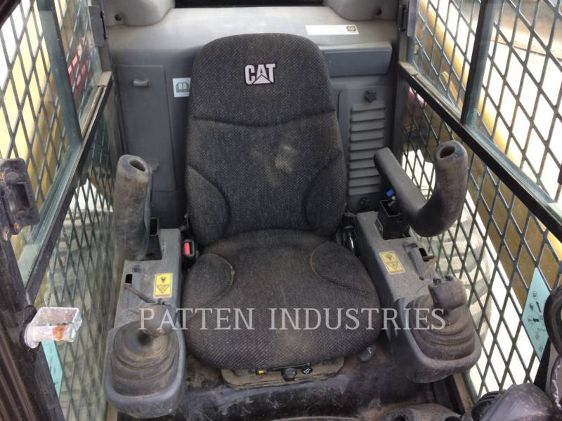 CATERPILLAR SKID STEER LOADERS 262D 2AIRH equipment  photo 8