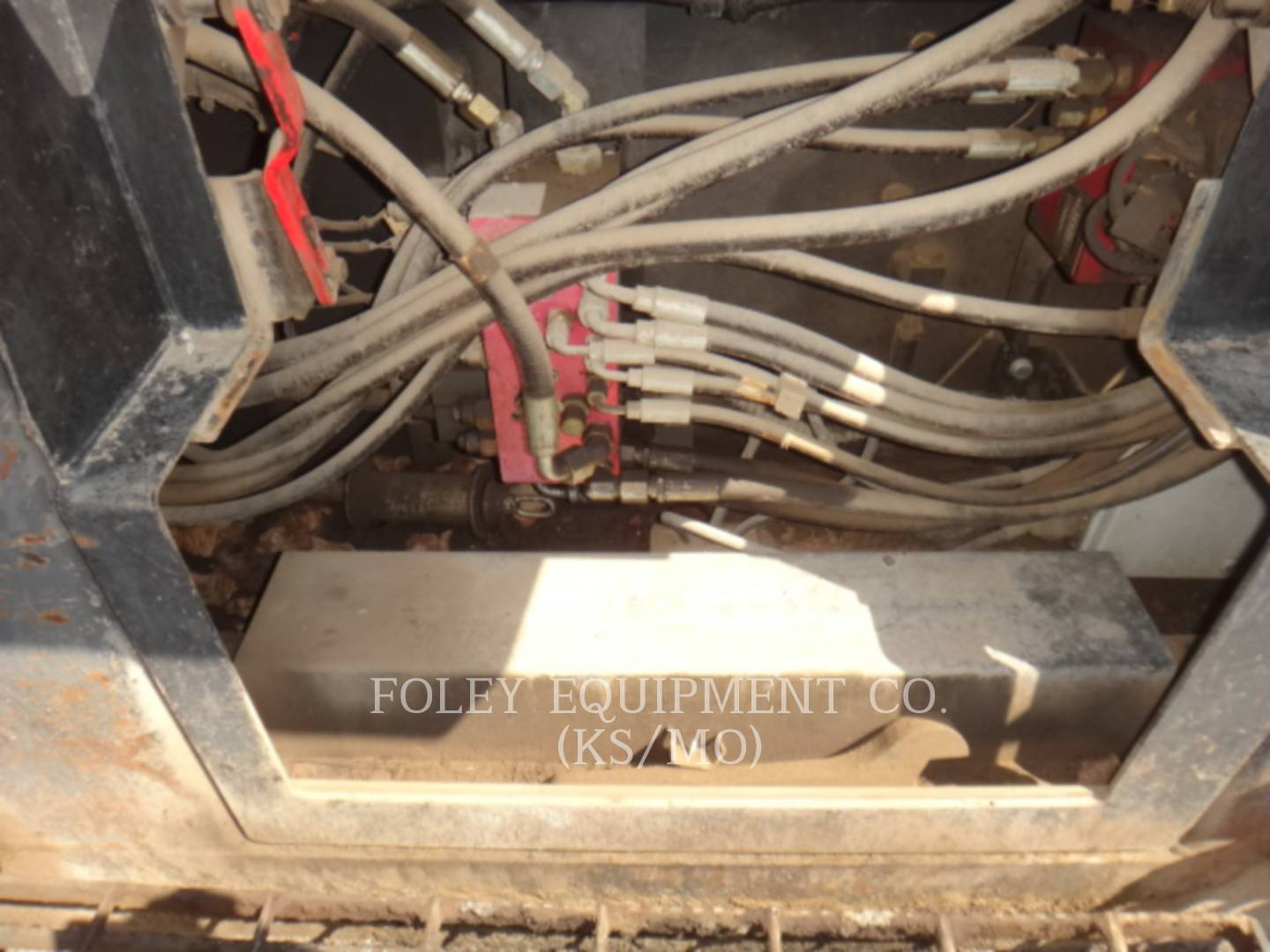 Detail photo of 2011 Volvo PF6110 from Construction Equipment Guide