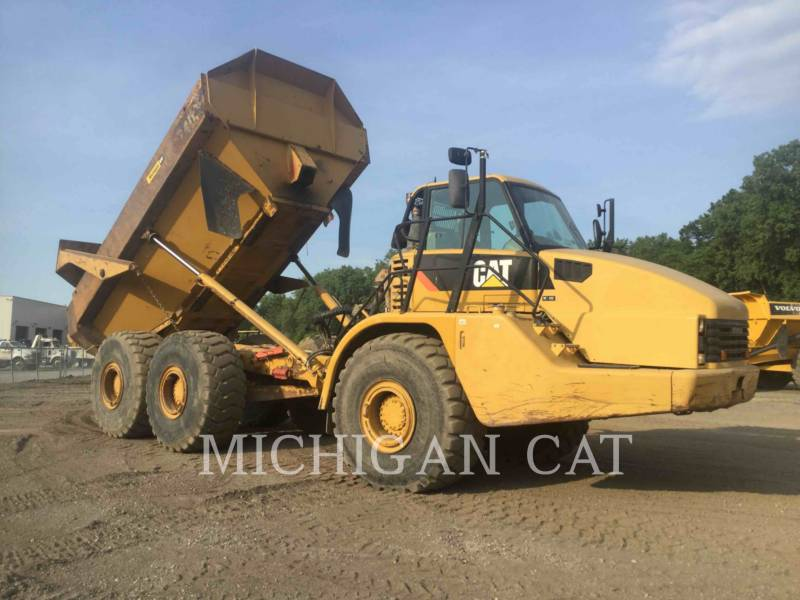 CATERPILLAR ARTICULATED TRUCKS 740 T equipment  photo 2