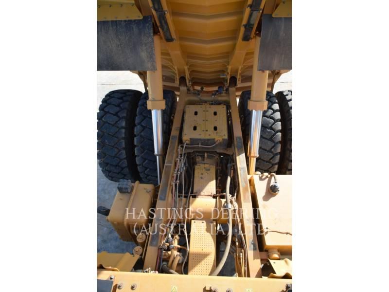 CATERPILLAR MINING OFF HIGHWAY TRUCK 773GLRC equipment  photo 16