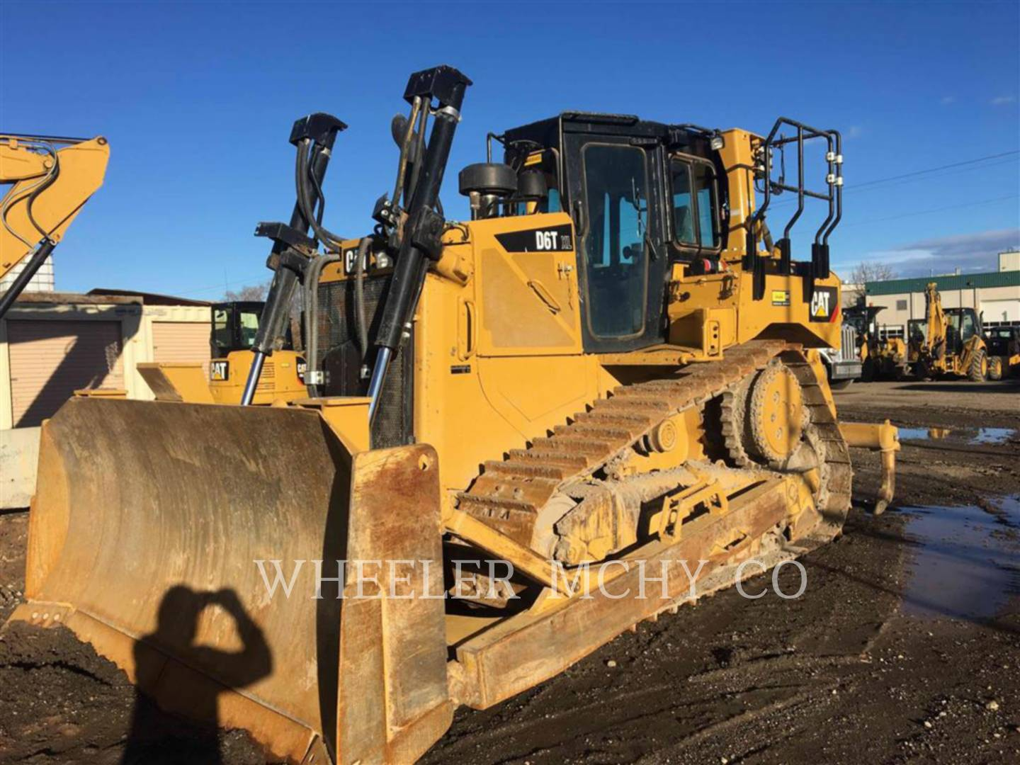 Detail photo of 2015 Caterpillar D6T XL from Construction Equipment Guide