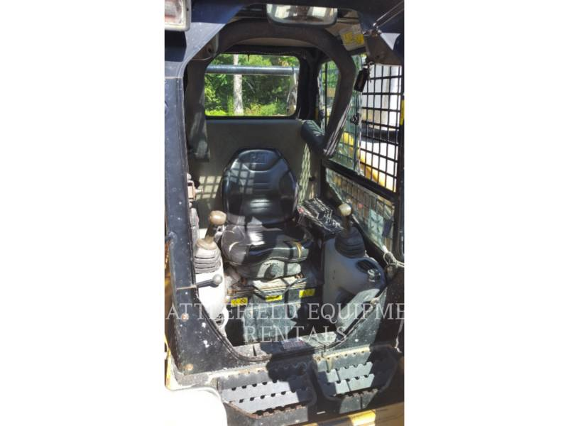 CATERPILLAR PALE COMPATTE SKID STEER 252B2 equipment  photo 6