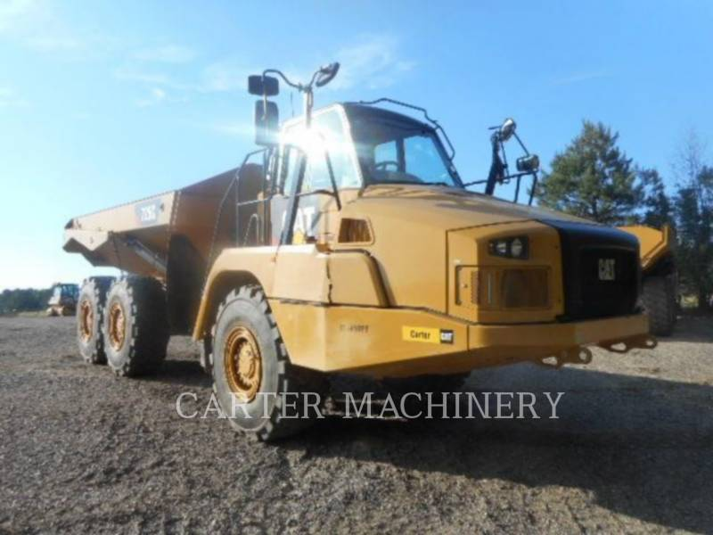 CATERPILLAR KNICKGELENKTE MULDENKIPPER 725C equipment  photo 1