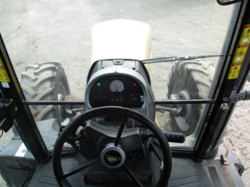 AGCO-CHALLENGER ROLNICTWO - INNE MT585D equipment  photo 12