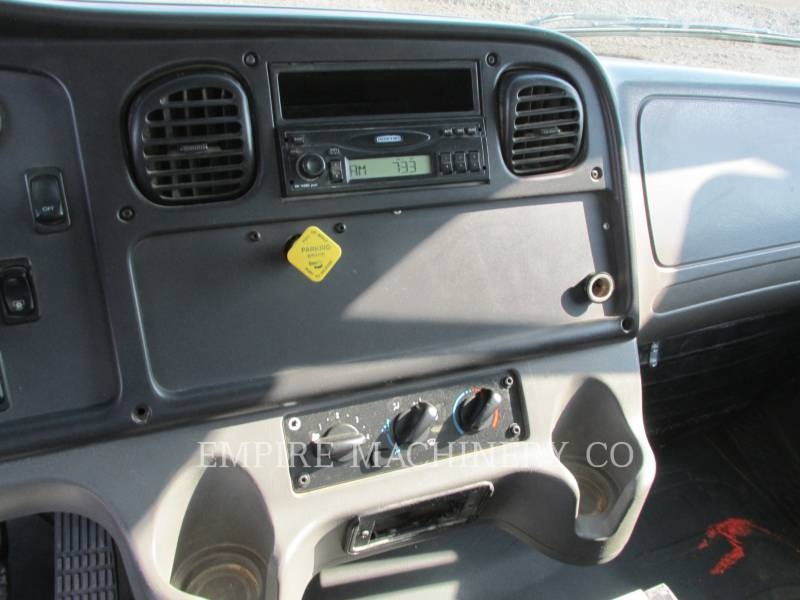 FREIGHTLINER CAMIONS CITERNE A EAU 2K equipment  photo 10