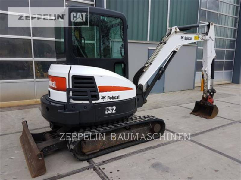 BOBCAT KOPARKI GĄSIENICOWE E32 equipment  photo 4