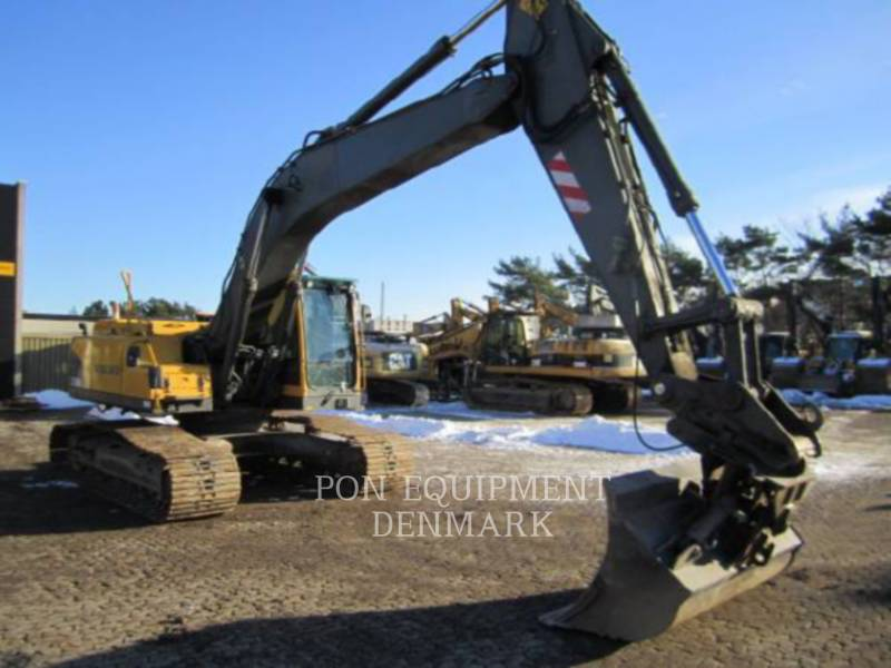 VOLVO CONSTRUCTION EQUIPMENT PELLES SUR CHAINES EC240BLC equipment  photo 8