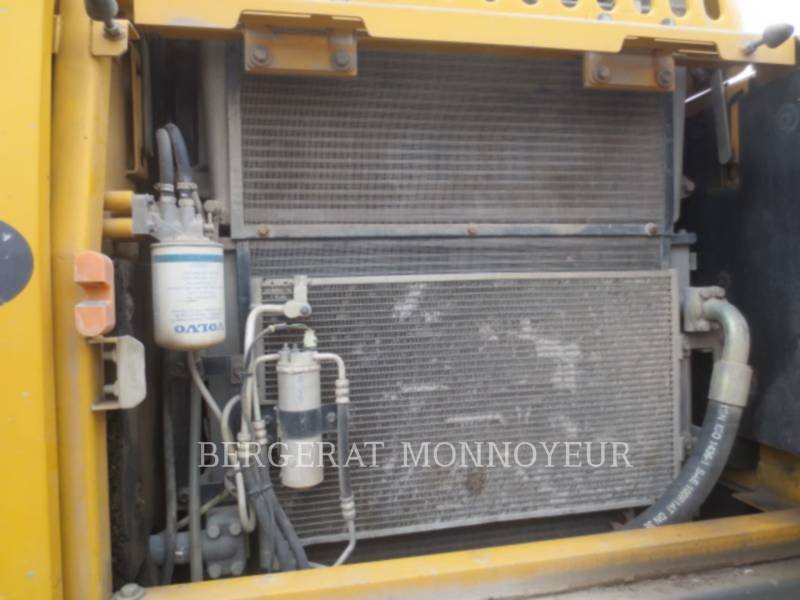 VOLVO CONSTRUCTION EQUIPMENT EXCAVADORAS DE CADENAS EC210BLC equipment  photo 10