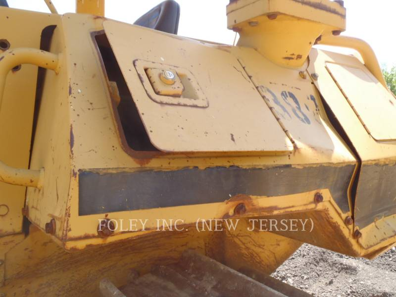 CATERPILLAR KETTENDOZER D5HIIXL equipment  photo 14
