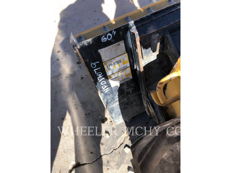 CATERPILLAR SKID STEER LOADERS 226D equipment  photo 8
