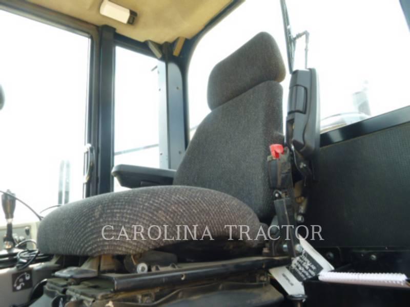 Caterpillar COMPACTOARE 815F2 equipment  photo 11