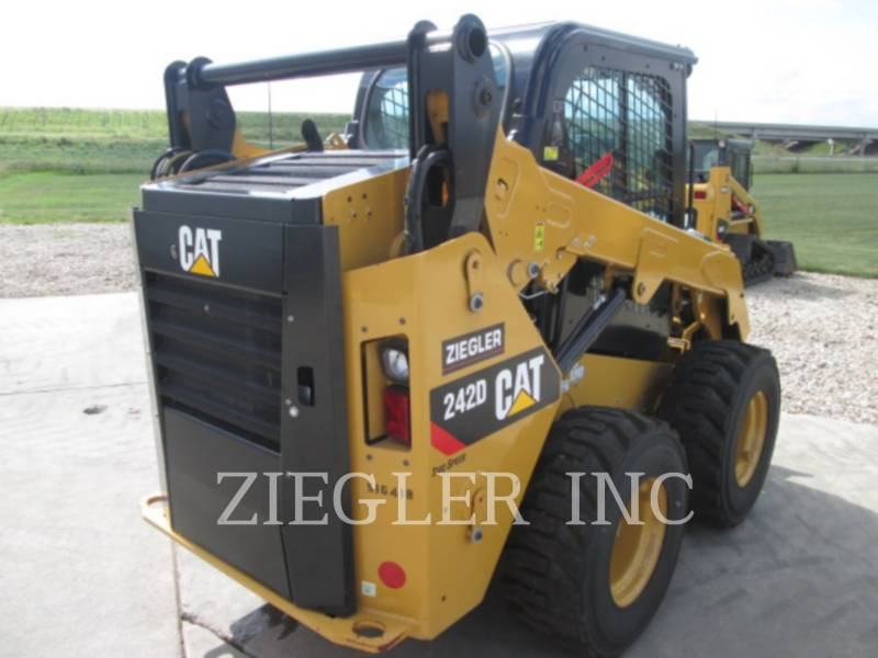 CATERPILLAR SKID STEER LOADERS 242DSR equipment  photo 3
