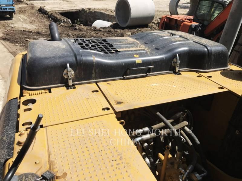 CATERPILLAR TRACK EXCAVATORS 320D2 equipment  photo 12