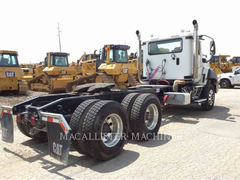 CATERPILLAR ON HIGHWAY TRUCKS CT660 equipment  photo 2